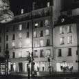 Miradas singulares de varios artistas sobre la capital parisina a lo largo de los últimos treinta años.