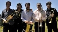 El quinteto de bronces integrado por reconocidos músicos argentinos se presenta junto a la Banda Sinfónica de la Provincia.