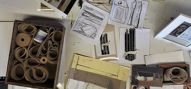 Muestra colectiva en dónde participan ocho referentes del arte contemporáneo.