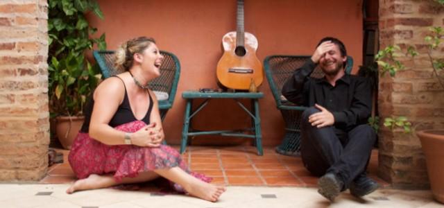 Versiones instrumentales y cantadas de la música popular tanto regional como internacional.