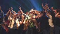 El talentoso cantautor y su histórica banda despiden y festejan los 10 años de Fin de Fiesta!.