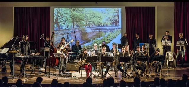 """La """"Big Band"""" un concierto bajo la dirección del destacado director Gene Aitken."""