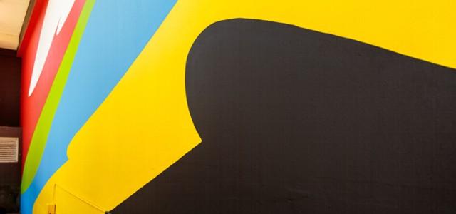 El joven artista cordobés interviene la fachada del Museo de Arte Moderno de Buenos Aires.